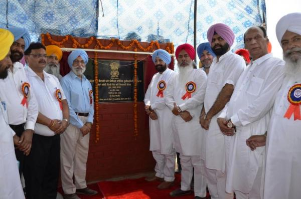 Foundation Stone of Regional Research and Training Centre for buffaloes at Tarn Taran district being laid by S. Balbir Singh Sidhu, Hon'ble Cabinet Minister, Animal Husbandry, Dairy Development and Labour (25.06.2018)