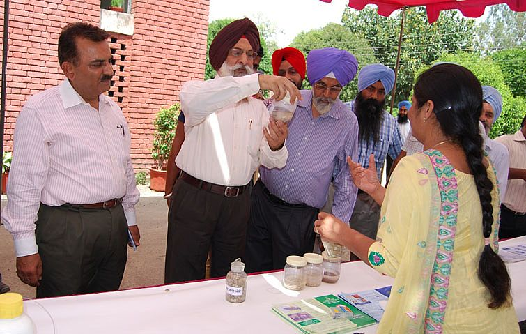 Dr. A. S. Nanda visited the exhibition stall in th