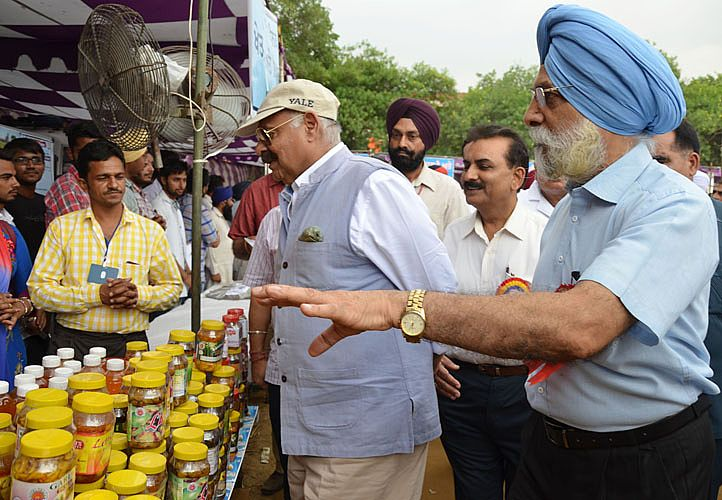 Sh. VP Singh Badnore, Governor of Punjab visited the stalls in 21st Pashu Palan Mela on 22nd September, 2016