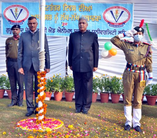 R&V Sqn. NCC cadets of GADVASU presented the guard of Honour to Dr. Inderjeet Singh, Vice Chancellor on Celebration of Republic Day on 26-1-2021