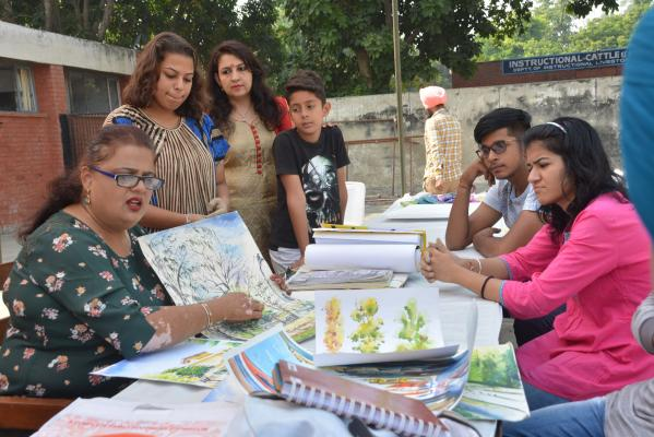 Poster making event peformed by students in 9th Youth festival