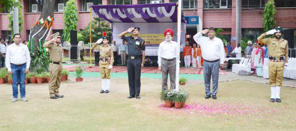 Dr. AS Nanda, Vice–Chancellor, GADVASU unfurled the National Flag in the University premises on 72nd Independence Day on 15th August 2018