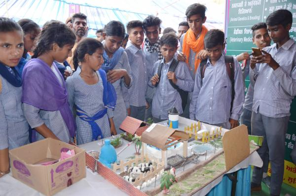 Students visited the Pashu Palan Mela on 2nd day(21-9-2018)