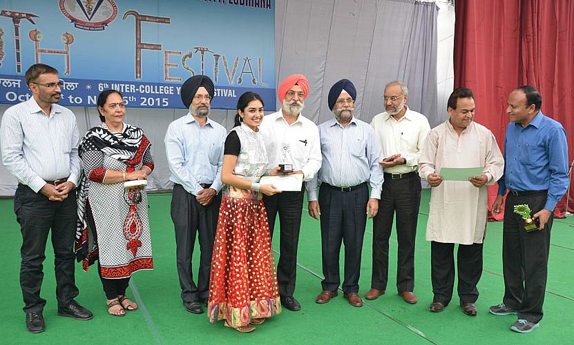 Vice Chancellor, GADVASU awarded the trophy to the