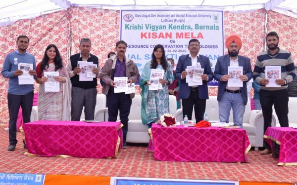 Release the booklets in Kisan Mela organized by KVK, Barnala on 02-03-2020