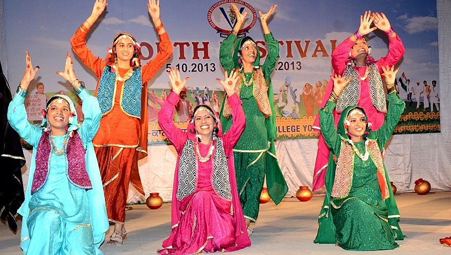 Gidha performed in Youth Festival 2013