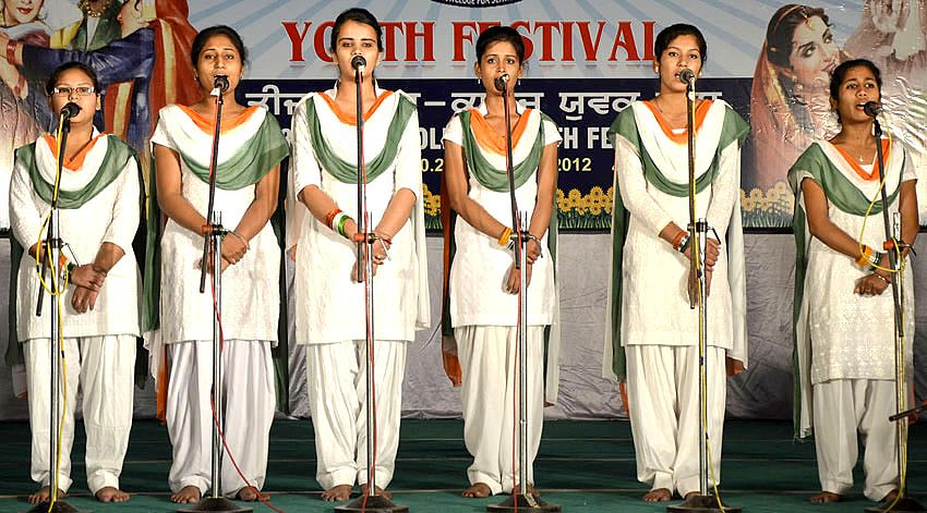 Group song event in youth Festival 2012